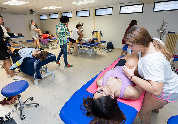 alumnos-fisioterapia-uemc