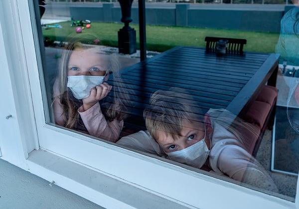 niños-confinamiento-casa