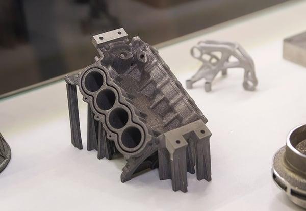Replica de una pieza industrial realizada gracias a la impresión 3D