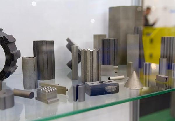 Una muestra de distintas piezas industriales fabricadas con una impresora 3D